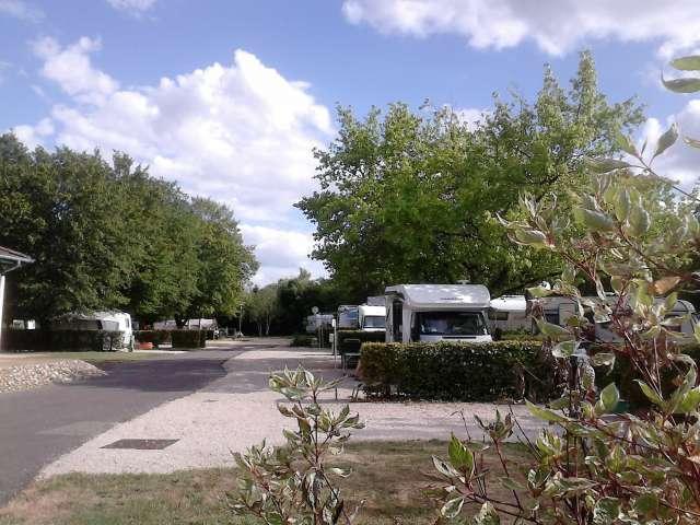 Campings, Aires Naturelles, H.L.L.
