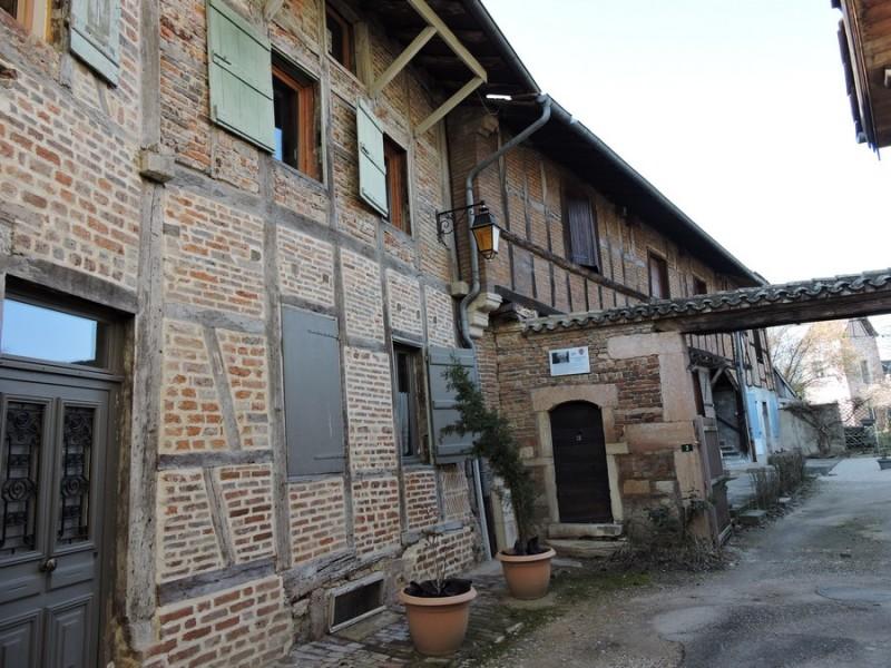 17-1-romenay-maison-des-gardes-a-guillemaut-194452