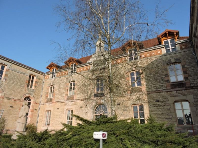 18-2-cuisery-hotel-dieu-a-guillemaut-194215