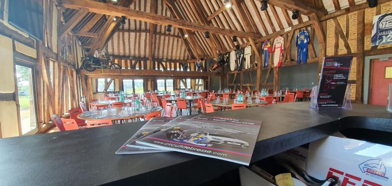 Driver Club, le restaurant du Circuit de Bresse de l'intérieur