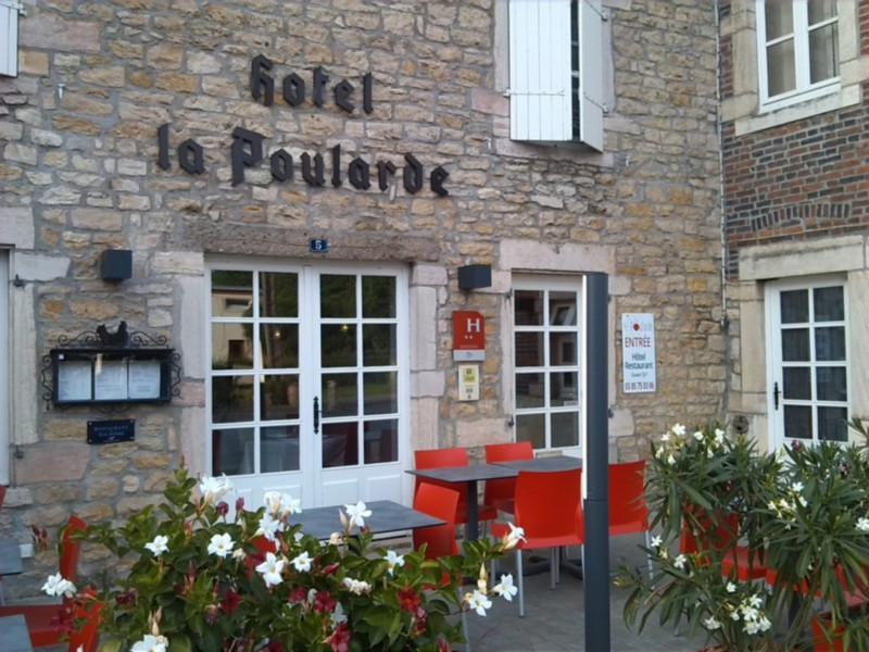 Facade @ La Poularde