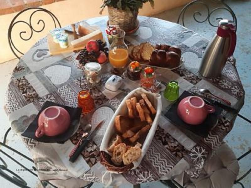 La-mare-aux-grenouilles-petit-dejeuner-V