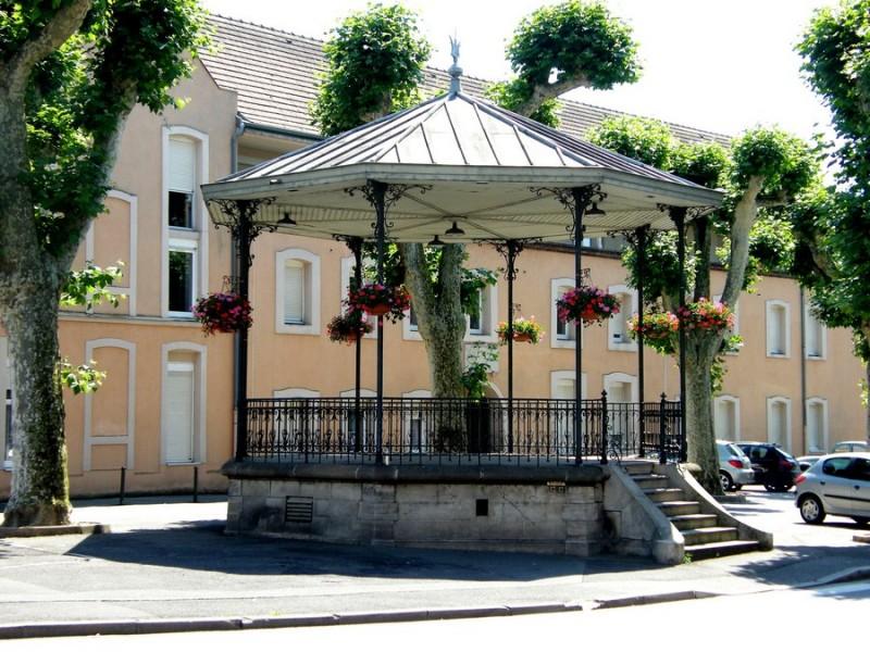 kiosque-ville-de-louhans-chateaurenaud-194409
