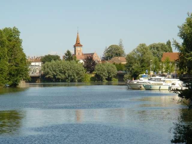 Port de Louhans - Office de Tourisme du Pays de la Bresse Bourguignonne